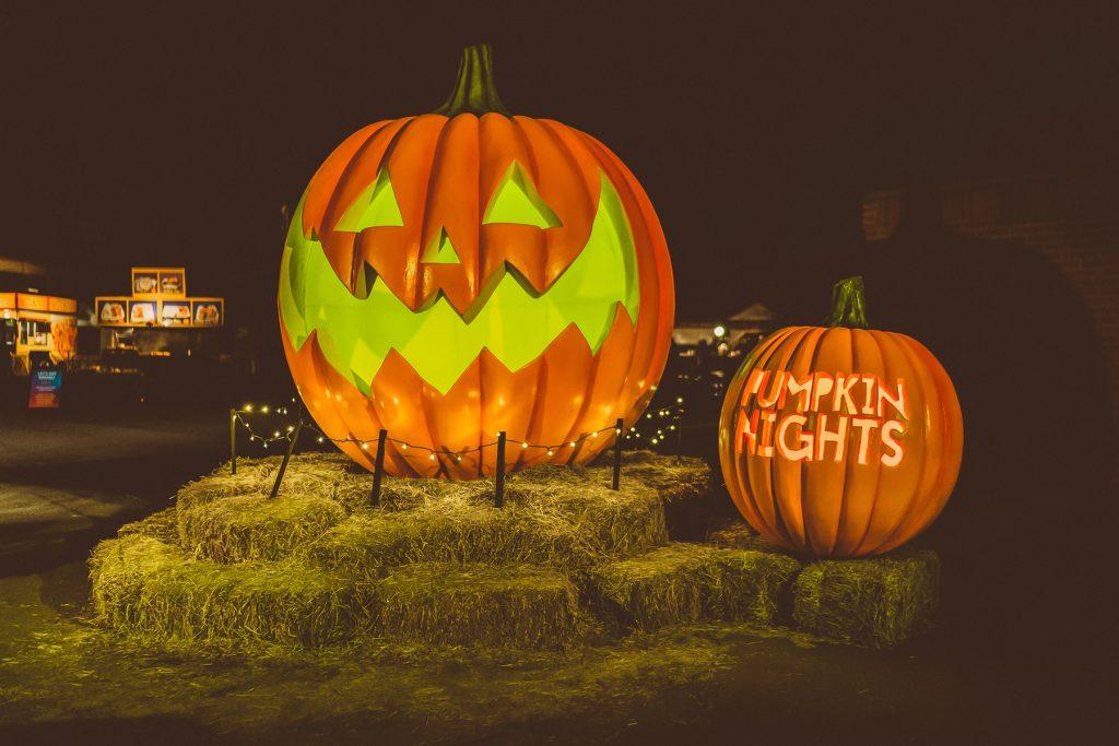 Pumpkin Show 2020.Pumpkin Nights Journey Through 3 000 Hand Carved Pumpkins